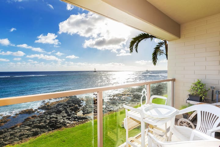 Stunning Oceanfront Kauai Views Near Poipu Beach!