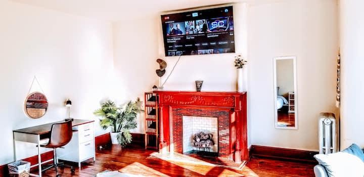 University City!! 65in 4K TV w/ FREE YOUTUBE TV!!