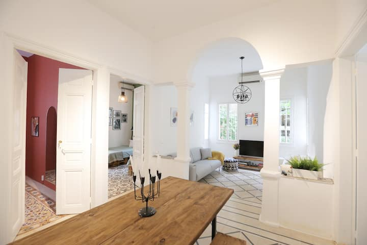 ★ Social House - 3BR Heritage Flat in Achrafieh