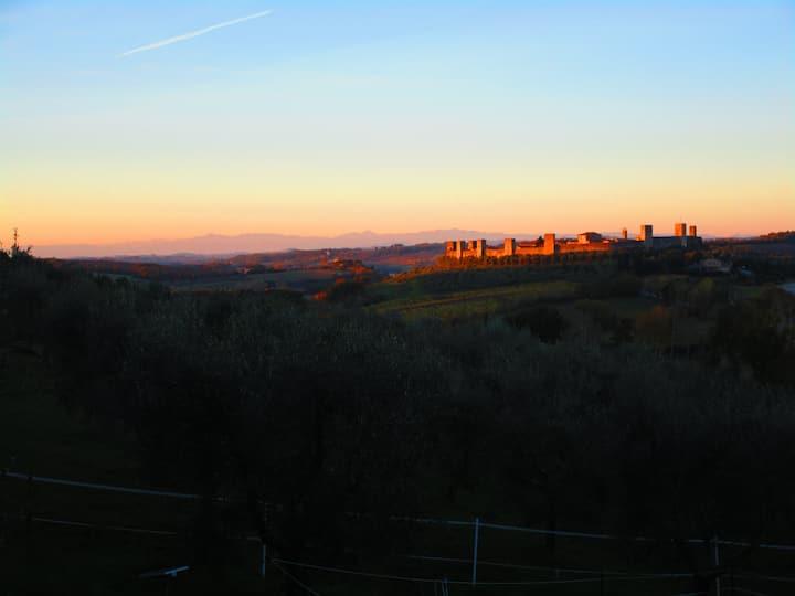 Il Mandorlo di Monteriggioni