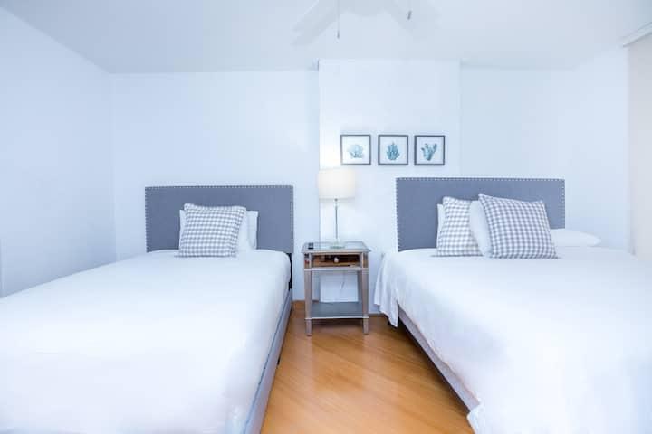 Amazing 2 bedroom apartment/ free parking brickell