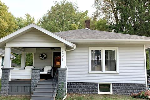 Cozy Glenn Ave Home-1/2 mile to ISU, 1 mile to IWU