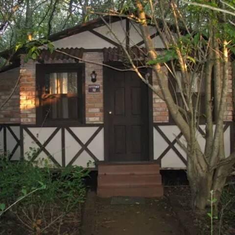 Camp Riveredge Paradise - Rustic Cabin 4