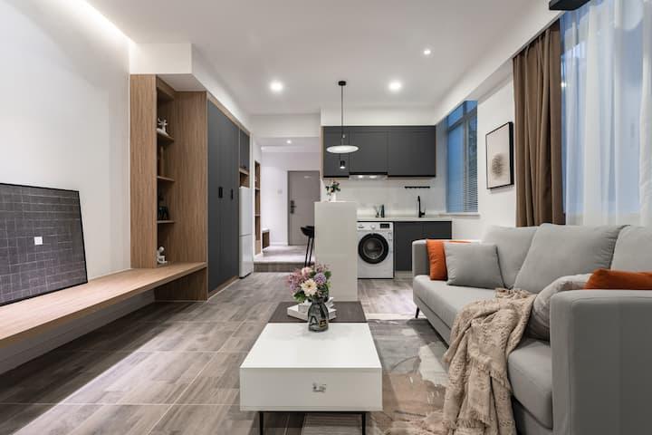 每客消毒 【B11】 超清投影 红星路地铁站 成都339 舒适一居室 可住2人