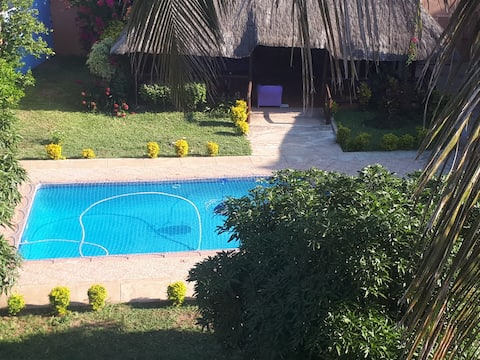 Self-catering Unit/Guesthouse with 2 rooms & pool