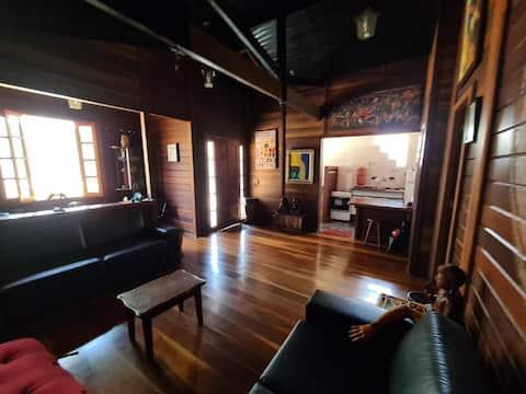 Casa de madeira estilo chalé em SBC