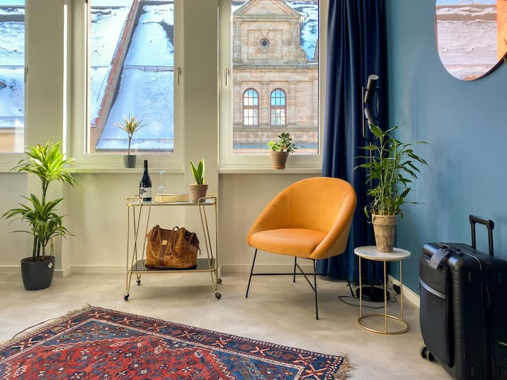 Biru Astoria: Studio Apt in perfekter Lage 35 m2