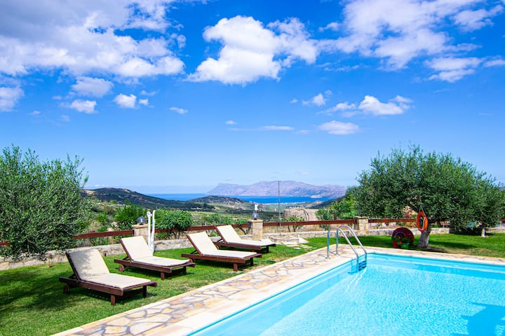 Traditional Fully Private Villa with Pool