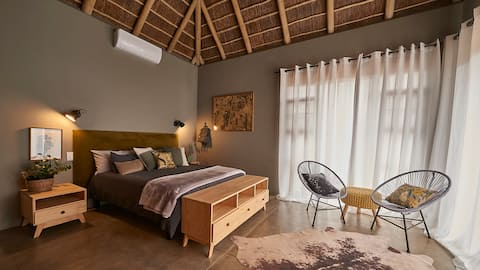 Winter room in Lazy Leopard Lodge