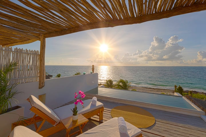 Caribbean Ocean Front |Exclusive & Private Suite D