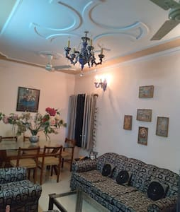 Room in Kirti Home Stay,  Pashchim Vihar, W. Delhi