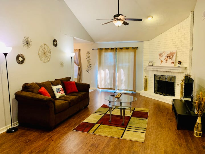★Don't worry, it's TEXAS ☻House 3 Bed in Woodlands