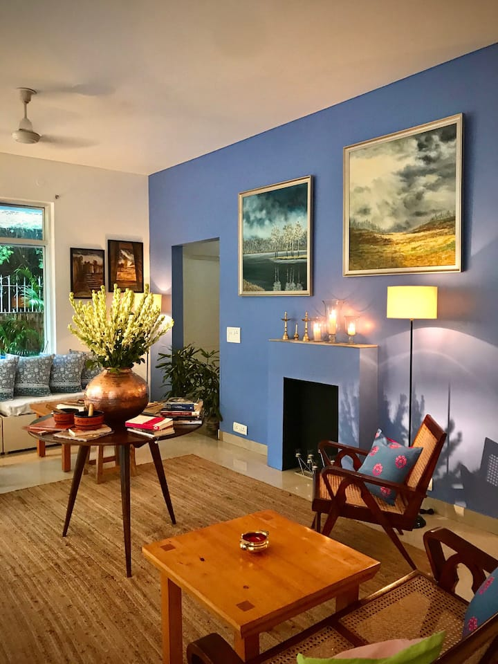 2 Connected Bedrooms in a Expats House with Cafe