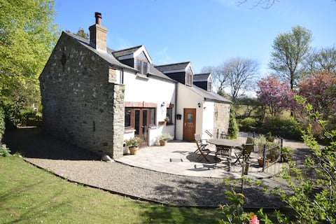 The Coach House - a cosy rural holiday cottage