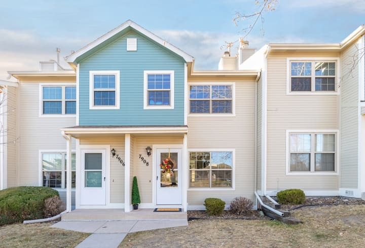 SHORT-TERM  2-6 MONTH, 2 BED. BEAUTIFUL TOWN HOME