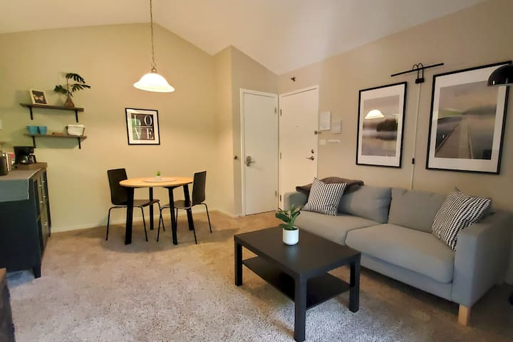 Cozy Condo, In Unit Washer Dryer, Monthly Discount