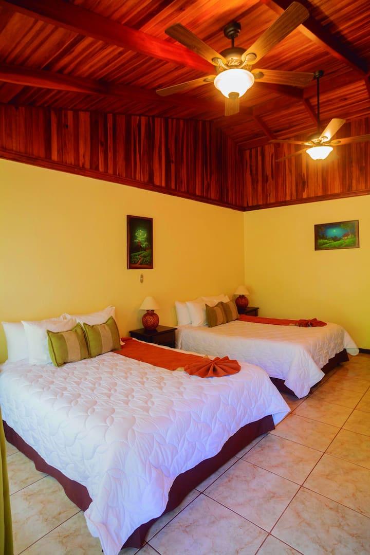 Hotel Monteverde Poco a Poco  Bromelia 2  Beds