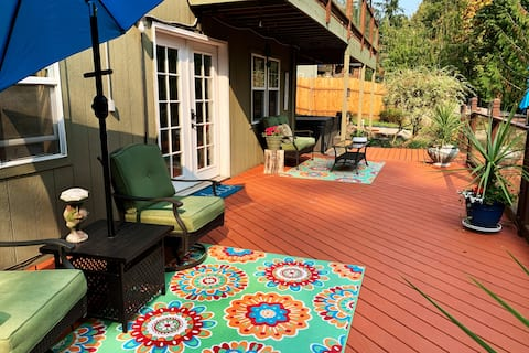 Come&Rest Spacious retreat w/forest view +hot tub