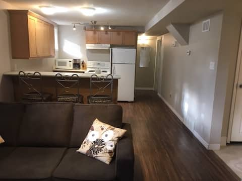 Private 2 bedroom basement suite for 1 to 4 people