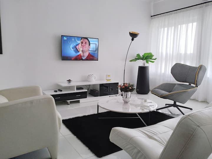 Novus Sensa (1Q)- Modern 2BD apartment