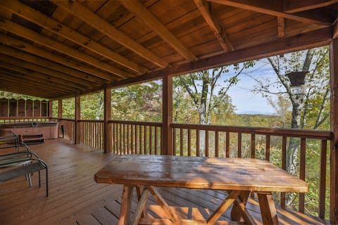 ❤️  View! Cozy, Private, Fireplace, Hot Tub Log Cabin, Honeymoon!