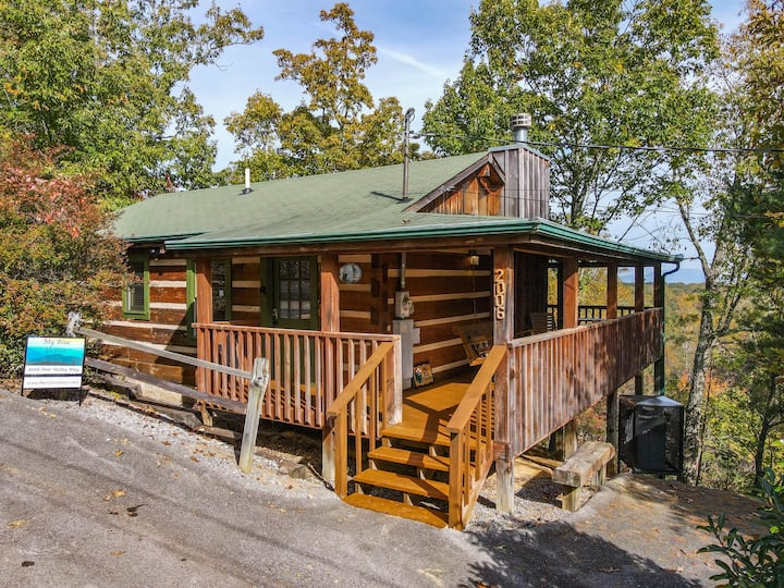 ❤️  View! Cozy, Private, Fireplace, Hot Tub Log Cabin