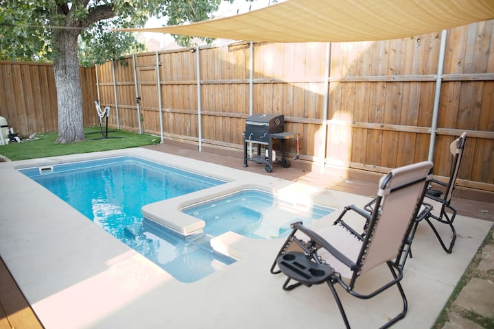 Charming Home w/ Heated Pool N. Dallas