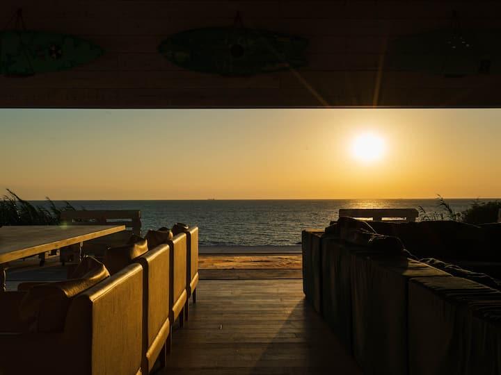 インフィニティプール!日本一の夕日を眺める海絶景!