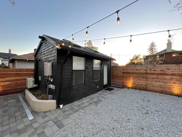 Modern + Minimal Studio in Elmwood