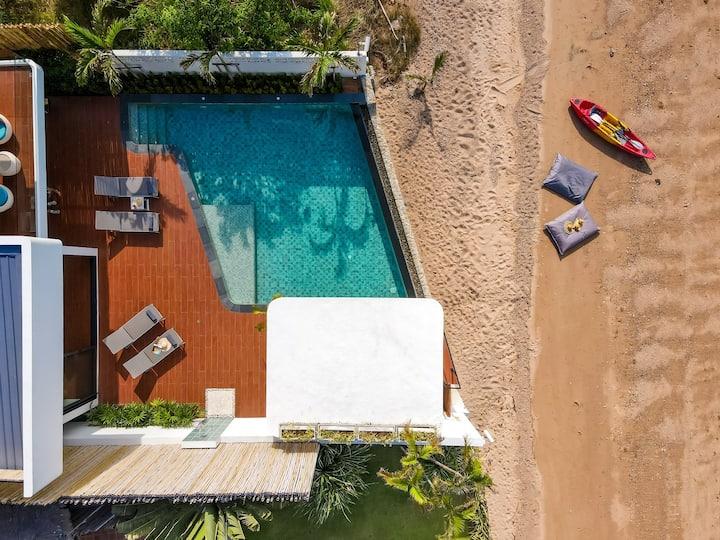 Brand-new Beachfront Villa near Fishermans Village