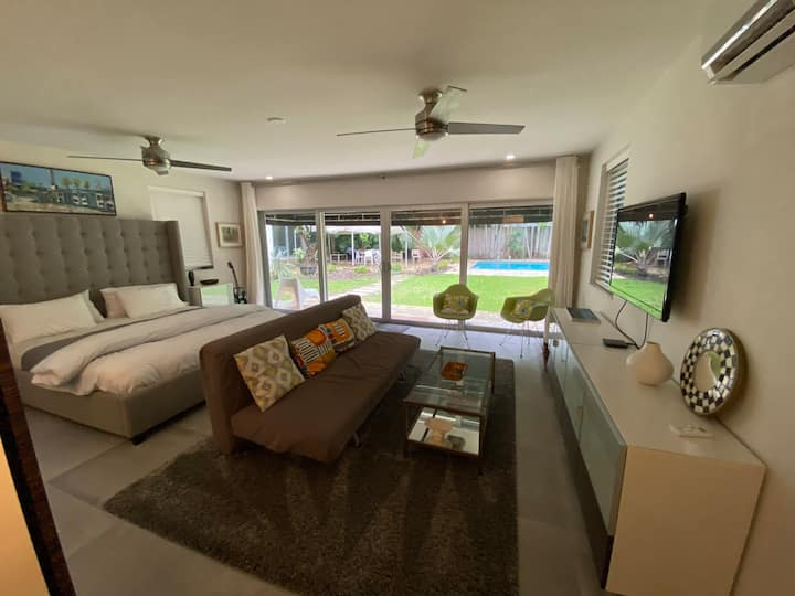 New cottage in Grove Paradise with Pool & Garden