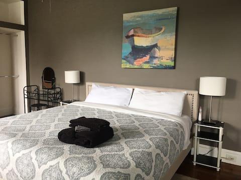 Rosedale Baby Friendly 1st Floor Suit King Bed!