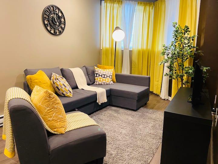 1 BDR | Modern, Yellow & Cozy| 2 | Osborne Village