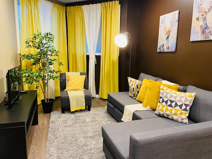 2 BDR | Modern, Yellow & Cozy| 2 | Osborne Village