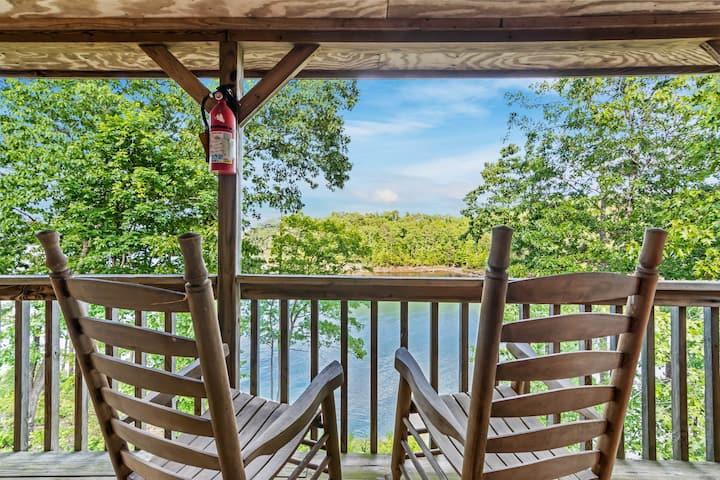 Lakeside Cabin #9 at Carters Lake