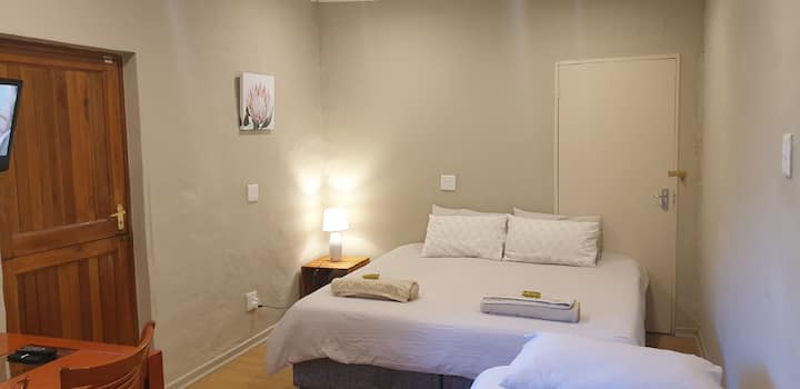 Mohau Self catering unit_save_quite_central