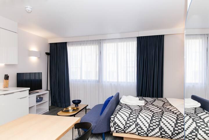 Aldgate/Tower Bridge- Spacious Studio Apartment
