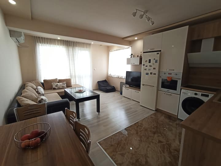 "Cosy and Luxurious apartment in complex ""Korona"""