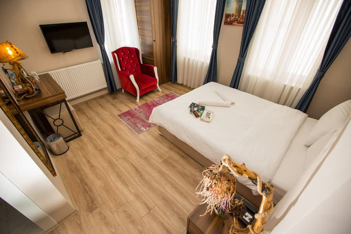 Private 1 Bed Hotel Room Near to Galata Tower