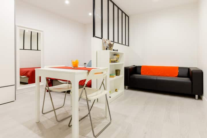 New Quaint & Comfy Dreamy Central-Paris Studio
