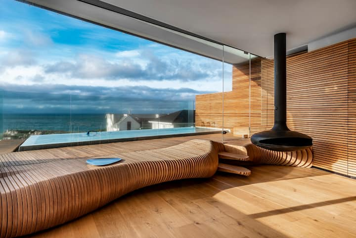 17 Marine Penthouse with large private Pool