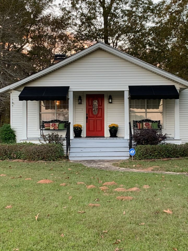 Country Cottage in Historic San Augustine, Texas