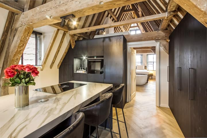 Stylish loft in historic center of Leiden