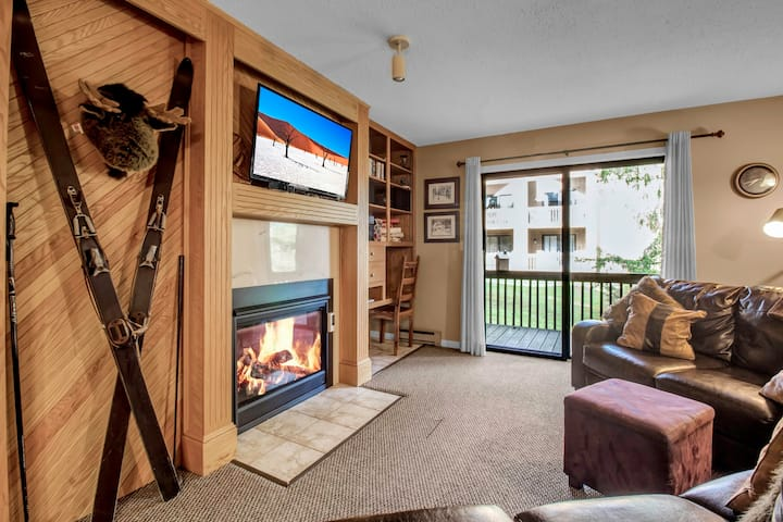 Holiday Valley Ski-in/Ski Out 3 Bed, 2 Bath Condo