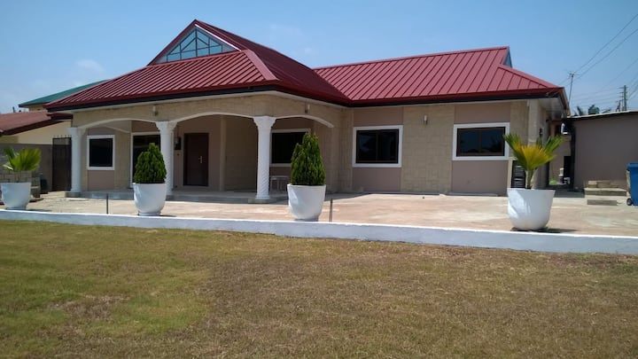 Luxury 2 Bedroom House - Tema Community 3