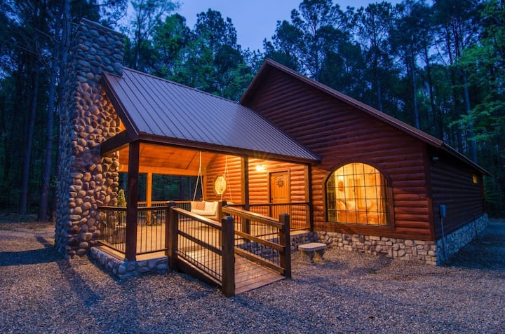 "The Romantic ""As You Wish Cabin"" is PERFECT!"