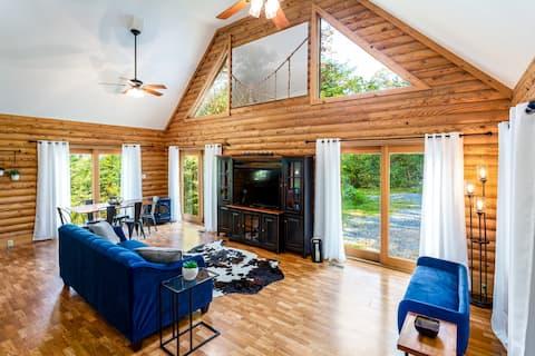 Cedar River Retreat ~ River Access ~ King Bed