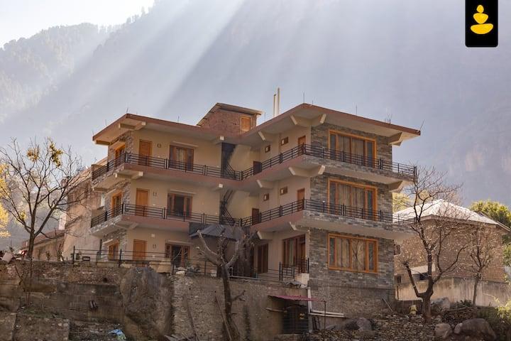 LivingStone Tirthan Riverside Resort Family room