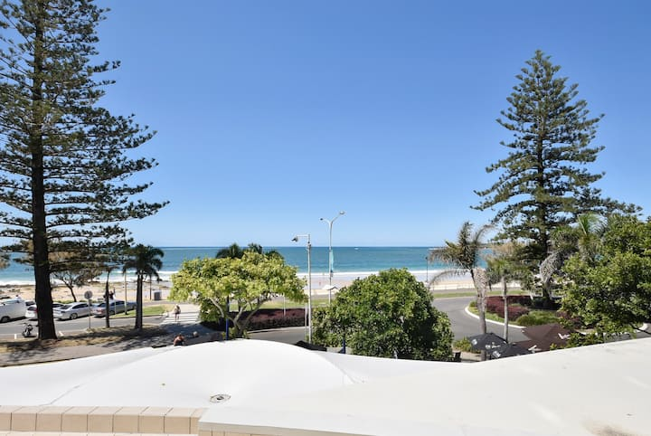 Absolute Mooloolaba - dream location & apartment
