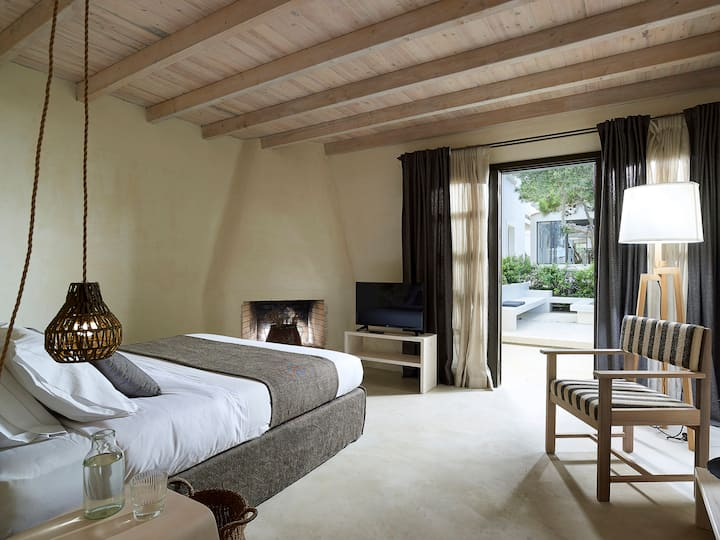 Suite with fire place # IridaChic